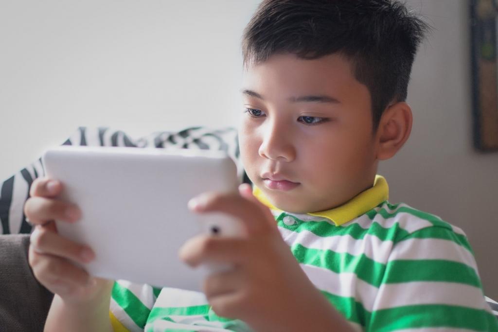 managing kids screen time